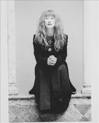 Best and new Loreena Mckennitt Celtic songs listen online.