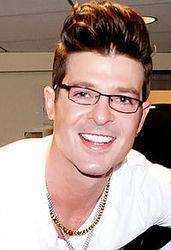 Best and new Robin Thicke R&B songs listen online.